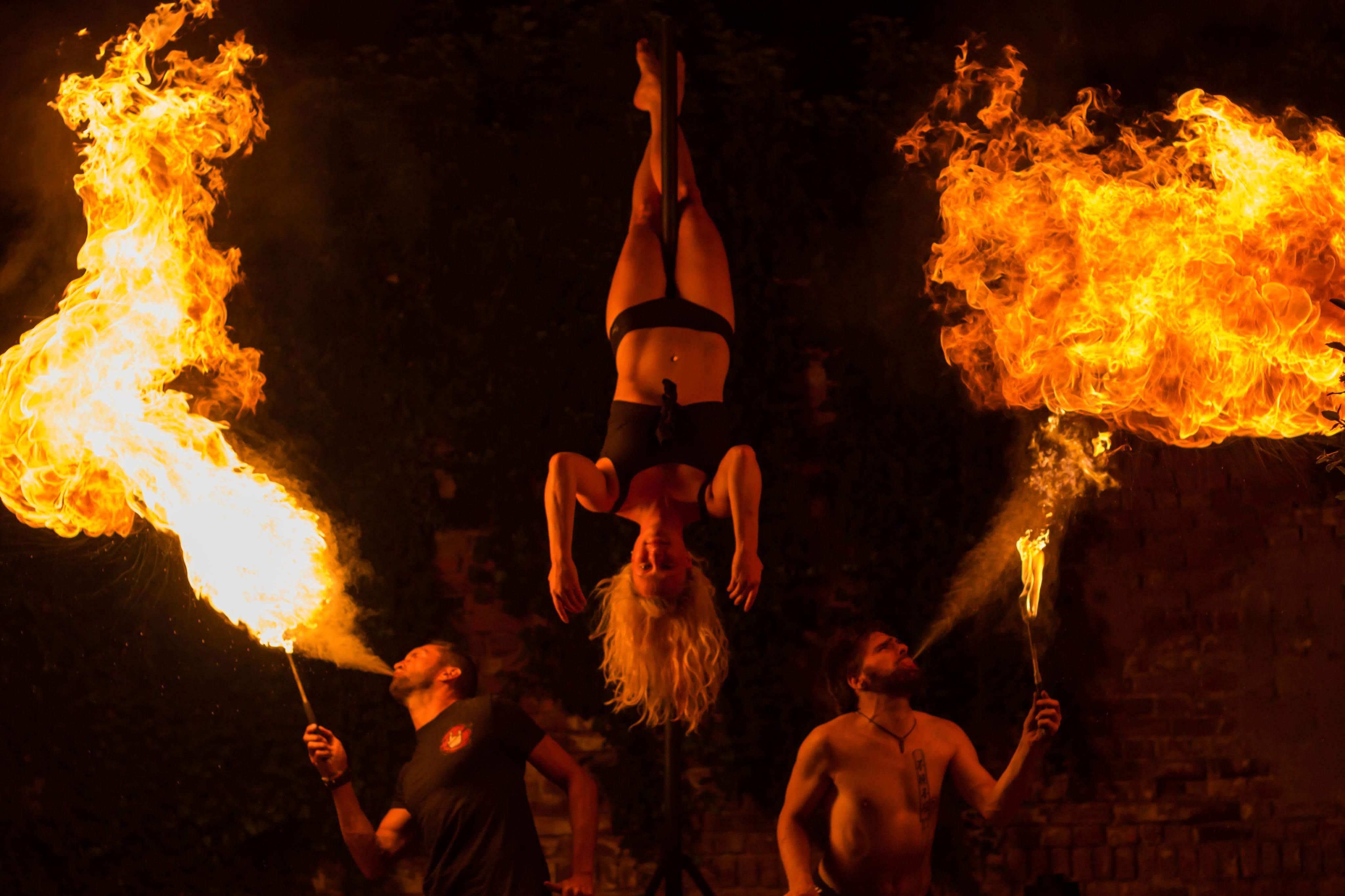 Pole- & Feuershows